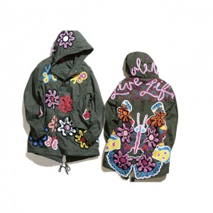 GAPが女性アーティスト6人とコラボしたジャケットコレクションをローンチ