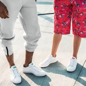 アディダス ネオのニュー・モデルは履き心地を重視したコートスタイルスニーカー