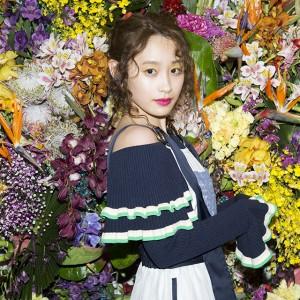 高橋愛が東京ファッションの最前線『AMAZON FASHION WEEK TOKYO 2017』の裏側に潜入!