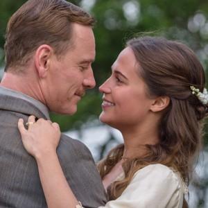 『ブルー・バレンタイン』の監督が贈る愛の物語『光をくれた人』