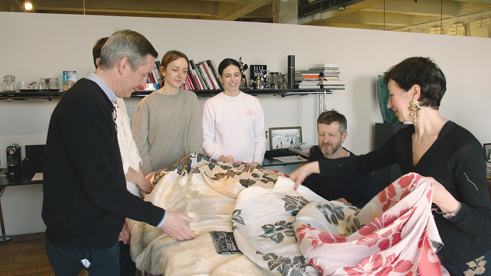 唯一無二の天才デザイナーを知るドキュメンタリー『ドリス・ヴァン・ノッテン ファブリックと花を愛する男』