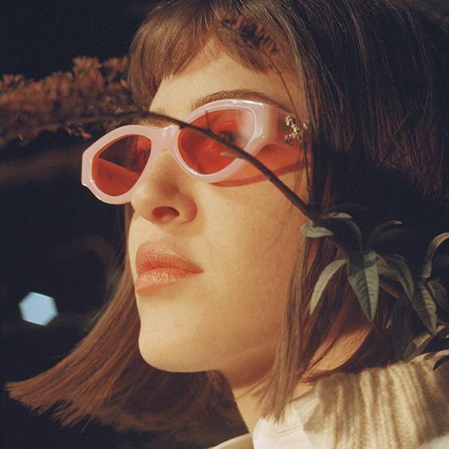 OFF-WHITE×SUNGLASS HUTのユニークなサングラスがお目見え