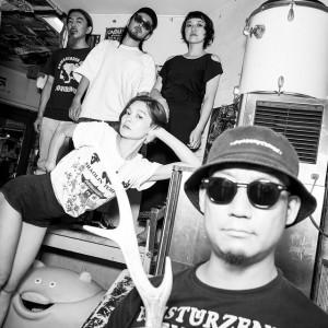 ヘアサロン発のアートパンクバンド・VOVIVAVがデビューアルバムをリリース!