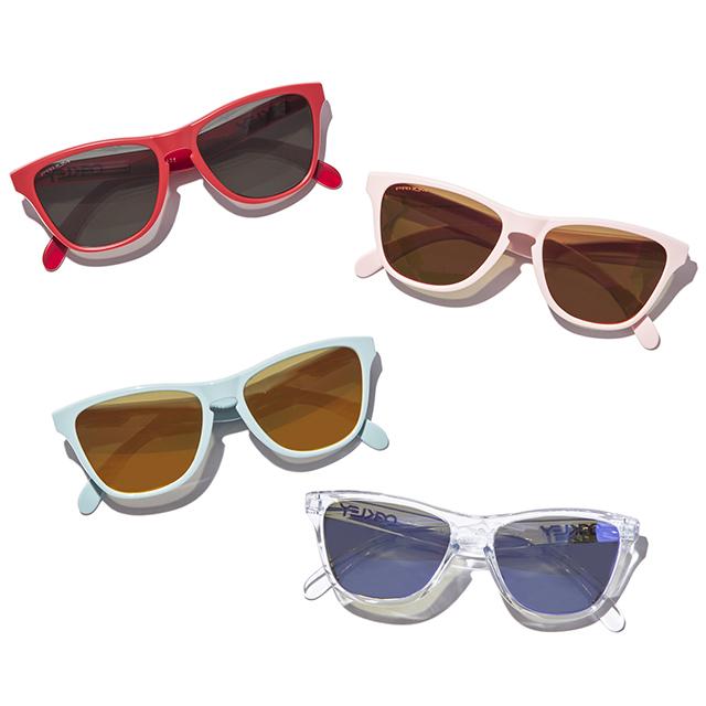 OAKLEYから夏らしいカラーリングの超軽量サングラスが登場