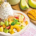 Eggs 'n Thingsから夏らしいフルーツを豪華に盛り付けたパンケーキが登場!