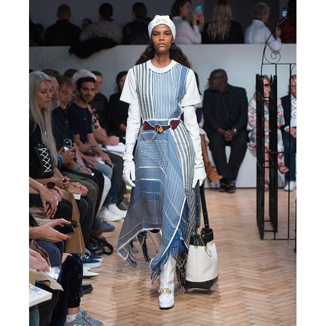 ロンドンファッションウィークにてJW ANDERSONが2019SSコレクションを発表