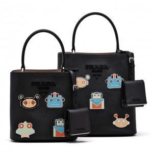 アイコニックなバッグが勢揃い♡ プラダのポップアップストアが伊勢丹新宿店にてオープン