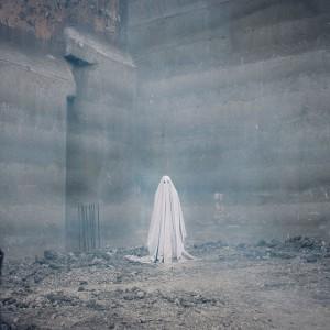 シーツ姿の幽霊が見つめる世界『A GHOST STORY/ア・ゴースト・ストーリー』
