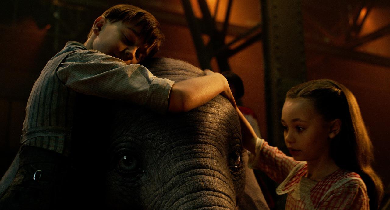 ティム・バートン監督最新作!みんな好きになる空飛ぶ子象『ダンボ』