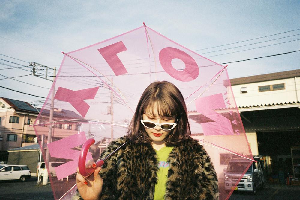 作家monet × 雑誌NYLON JAPANのスペシャルコラボZINE未公開ショット含む写真展が開催!