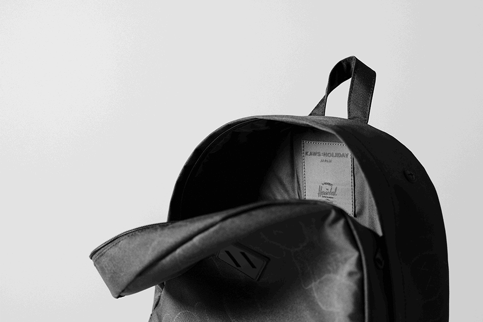 Herschel Supply×KAWS:HOLIDAY JAPANの限定バックパックが登場!