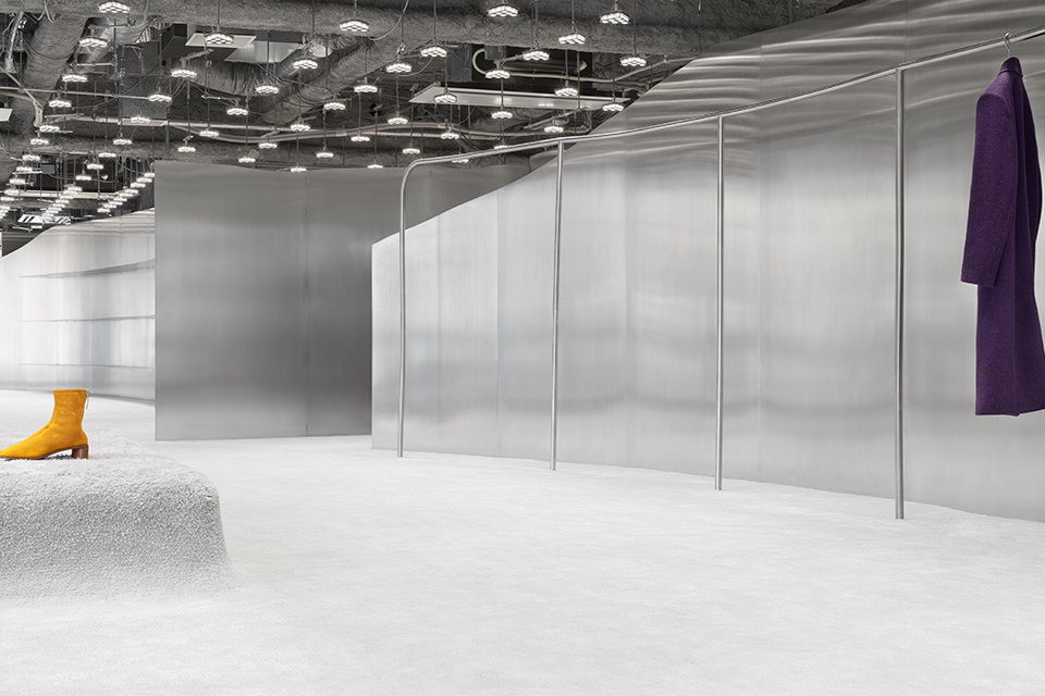 ユニークなストアデザインに注目! Acne Studios直営店が名古屋に新オープン