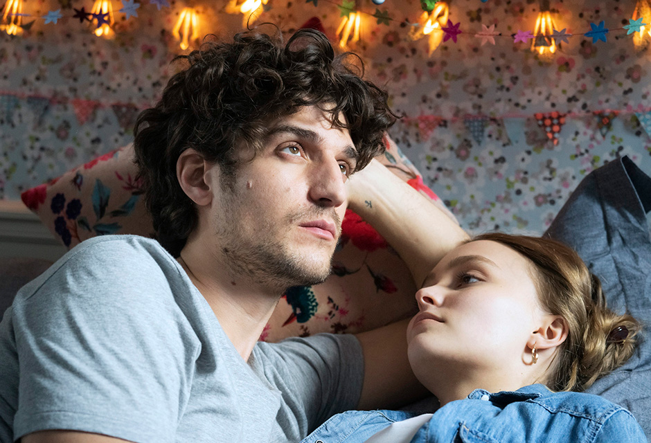 リリー=ローズ・デップ出演のラブストーリー『パリの恋人たち』