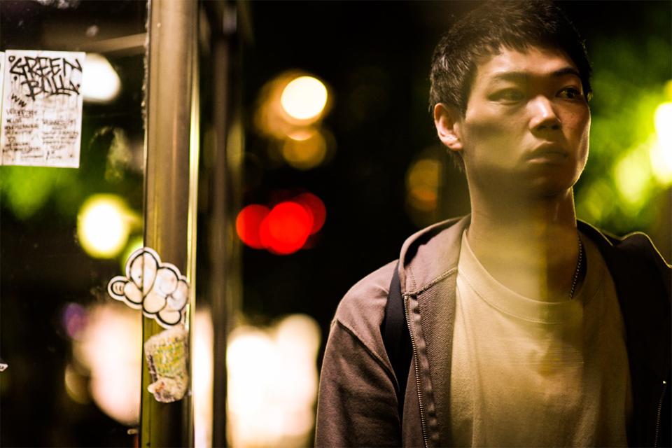 傷つきもがく姿に魅了される!注目俳優・笠松将の初主演作『花と雨』