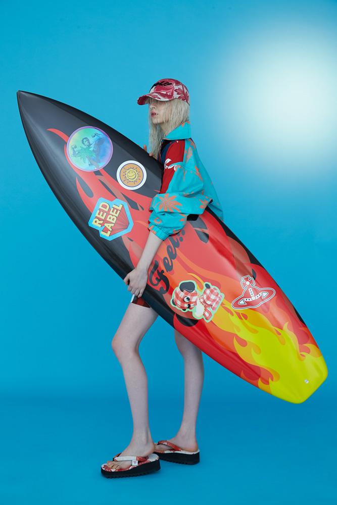 夏気分を堪能! ヴィヴィアン・ウエストウッド レッド レーベルのカプセル コレクションが数量限定で発売