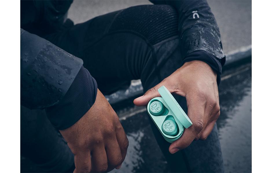 Bang & Olufsenからスポーツシーンでも使える完全ワイヤレスイヤフォンが発売