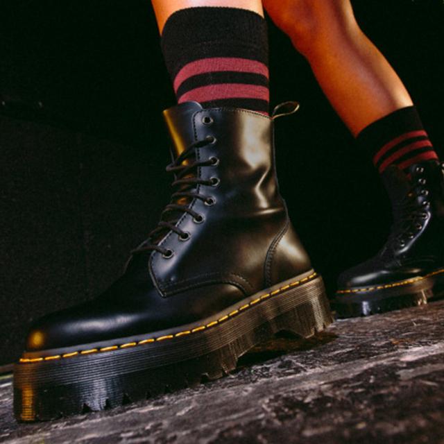 マストハヴすべき! Dr.Martensのアイコニックな厚底ブーツに注目