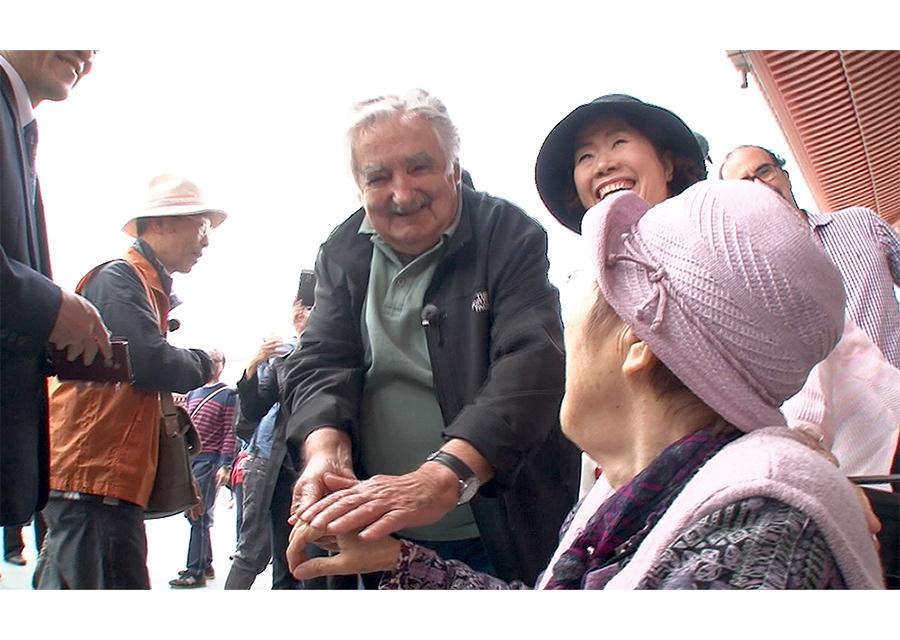 本当の幸せを教えてくれる!『ムヒカ 世界でいちばん貧しい大統領から日本人へ』