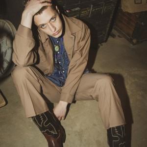 Wranglerからロングセラーモデル『ランチャードレスジーンズ』の新色とセットアップ可能なジャケットが登場